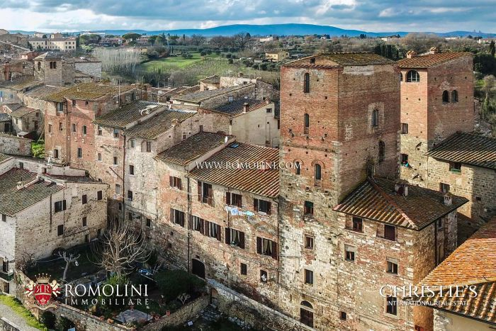 MEDIEVAL TOWER FOR SALE IN COLLE VAL D'ELSA, SIENA, TUSCANY