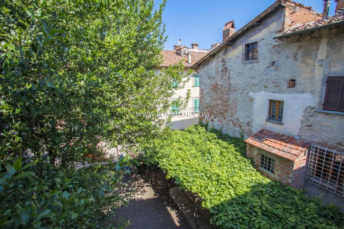 HOUSE WITH GARDEN FOR SALE IN THE HISTORIC CENTER OF SANSEPOLCRO, TUSCANY