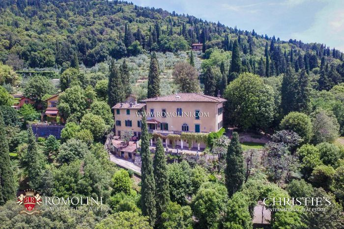 LUXURY VILLA WITH VIEW OVER FLORENCE FOR SALE IN FIESOLE, TUSCANY