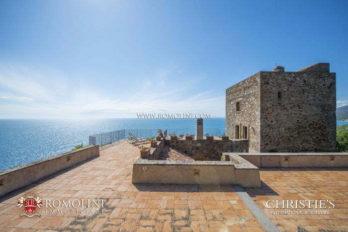 WATERFRONT PROPERTY WITH DIRECT SEA ACCESS FOR SALE ARGENTARIO, TUSCANY