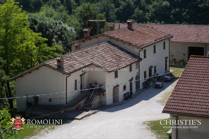 Agriturismo for sale in Borgo Pace Marche