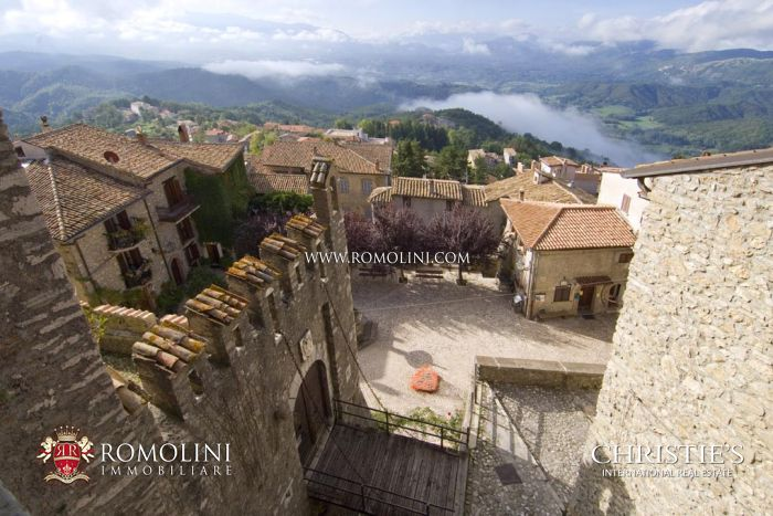 CASTLE FOR SALE ONE HOUR FROM ROME