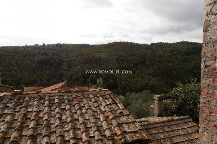 TOWNHOUSE FOR SALE HISTORICAL CENTRE TUSCANY