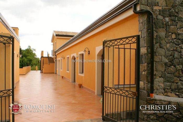 Villa for sale in Catania, Sicily