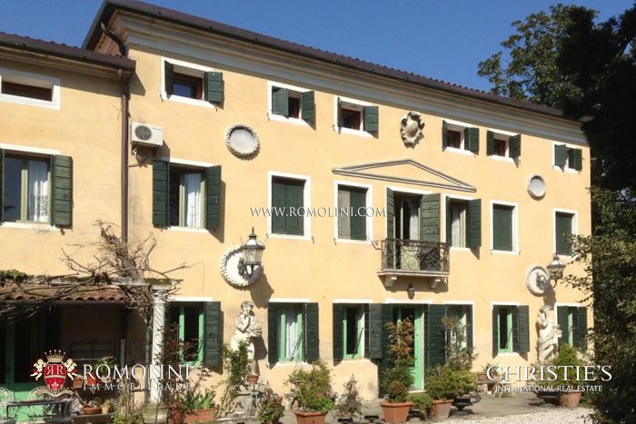 18th Century villa for sale in Venice