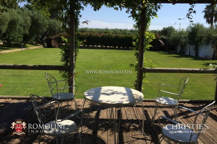 OLIVE ESTATE WITH LUXURY VILLA AND OLIVE GROVE FOR SALE IN ITALY, PUGLIA