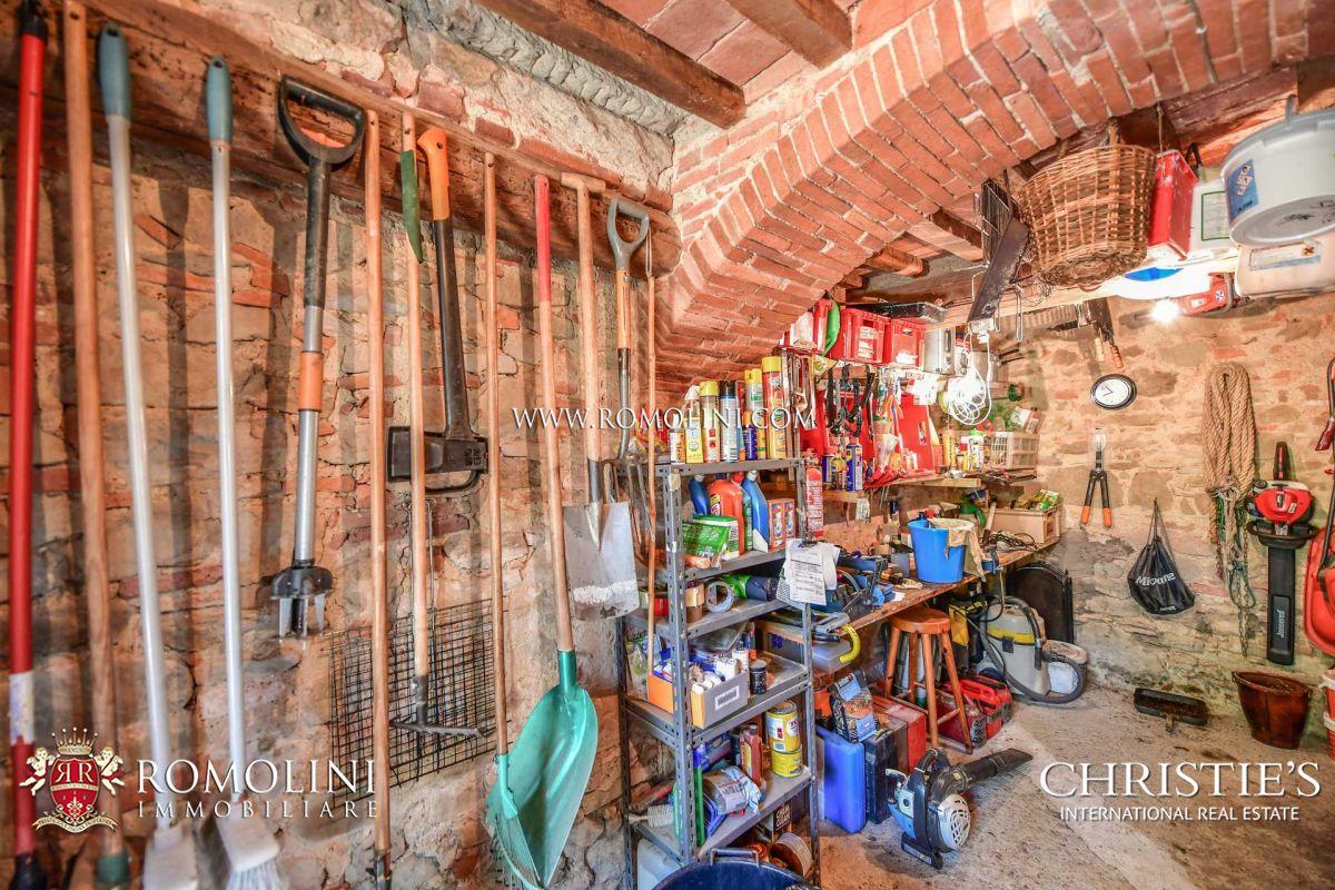Agenzie Immobiliari Arezzo farmhouse for sale in tuscany
