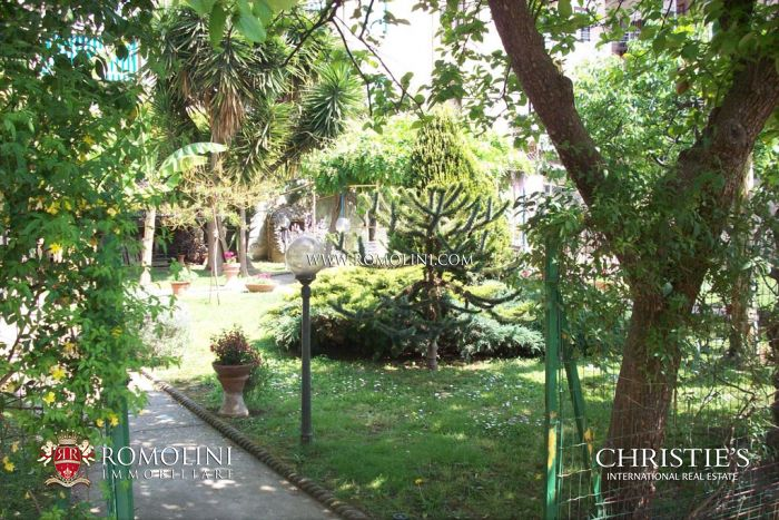 APARTMENTS FOR SALE IN LIVORNO, Prestigious Apartments in Villa for sale, Tuscany
