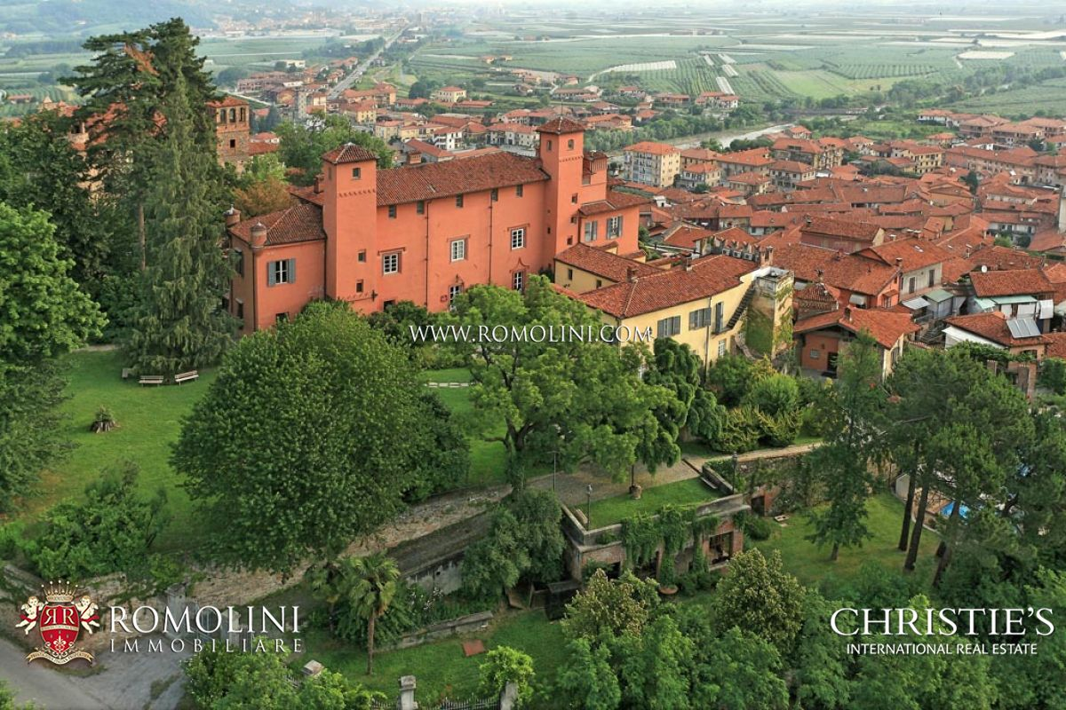 MEDIEVAL CASTLE, HOTEL WITH SPA FOR SALE IN PIEDMONT