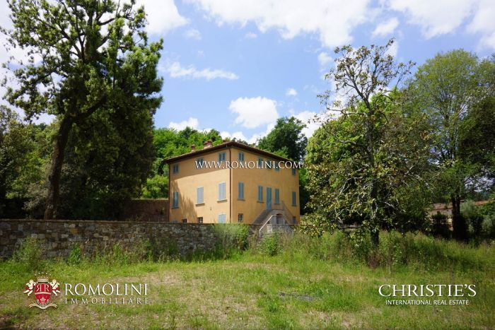 Villa for sale in Lucca