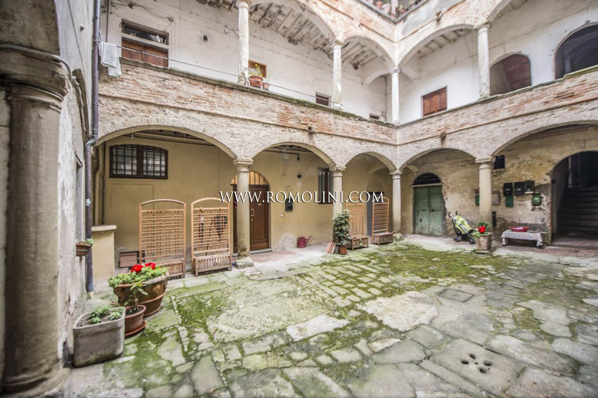 2 BEDROOM APARTMENT FOR SALE IN ANGHIARI TUSCANY