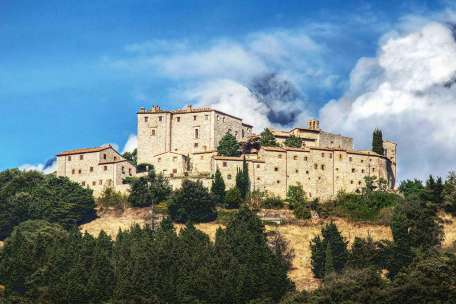 CASTLE FOR SALE IN ITALY AND IN FRANCE